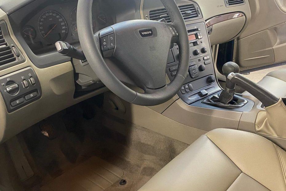 Volvo S60 Интериорен детайлинг и частична реставрация